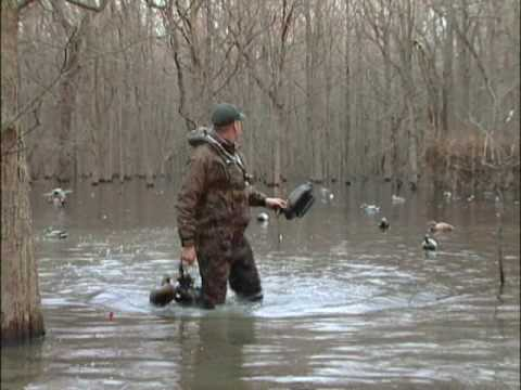 Freakin' off the Chart Arkansas Green Timber Duck Hunt – Featherlite Decoys-