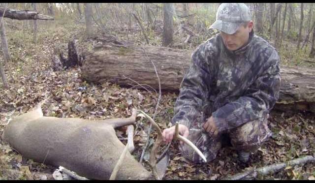 GoPro Deer Hunting 8 Point Whitetail Down Kentucky (VLOG5) 2014