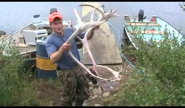 Hunting caribou in Manitoba Canada 2011 Bulloch Lake – P4