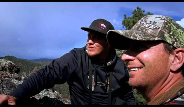 Huntin' Fool TV – Bugling Elk by the Border