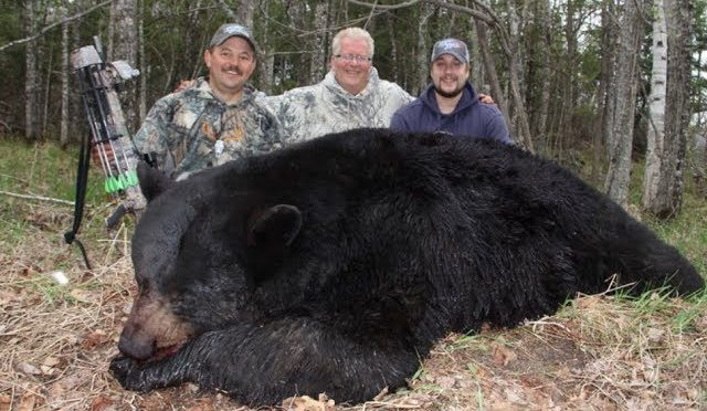 Taft Love – Excalibur's Hunting The Backwoods Takes Down Monster Black Bear At Hoards Hunting Camps